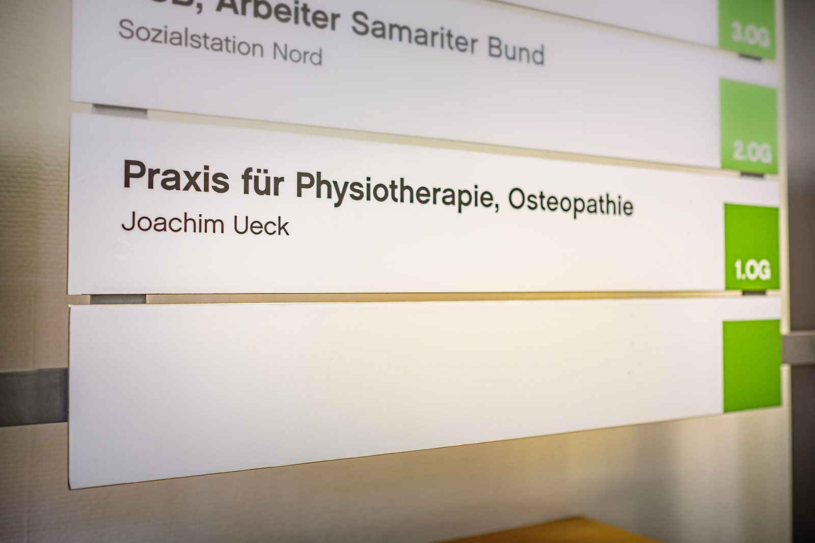 Praxisschild Physiotherapie Ueck